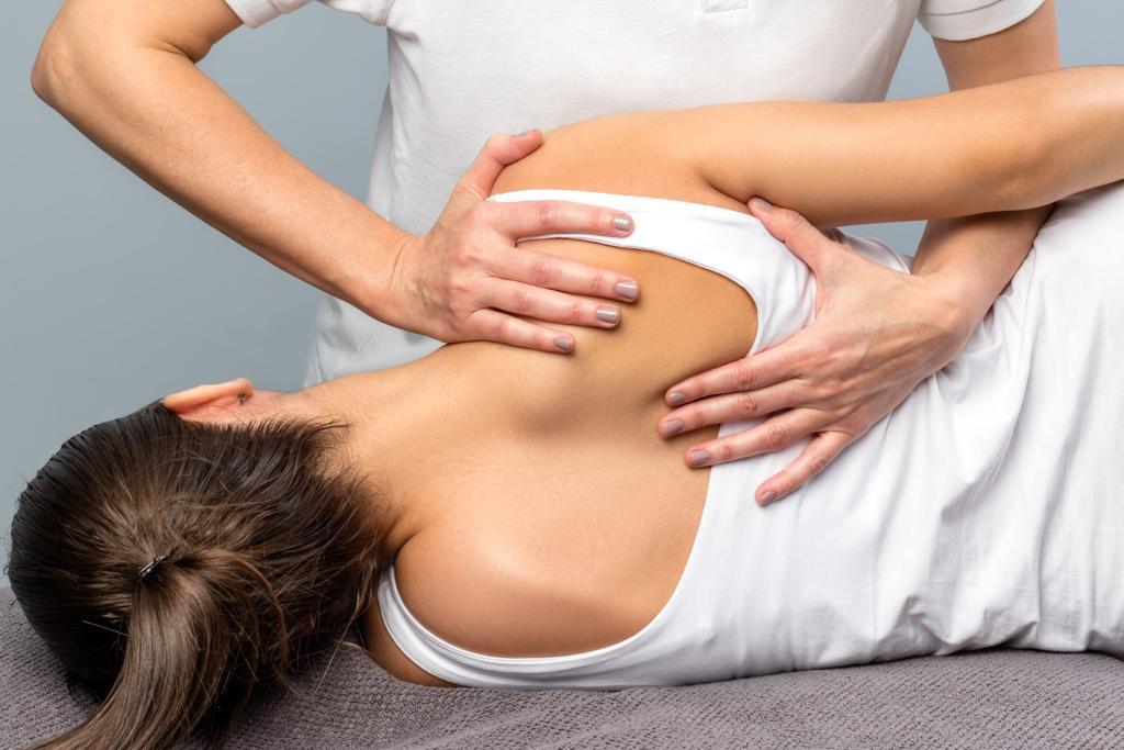 Остеопатия: реальная польза или миф • Клиника Позвоночника доктора Разумовского